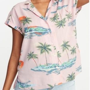 Old Navy pink Hawaiian palm tree button front top